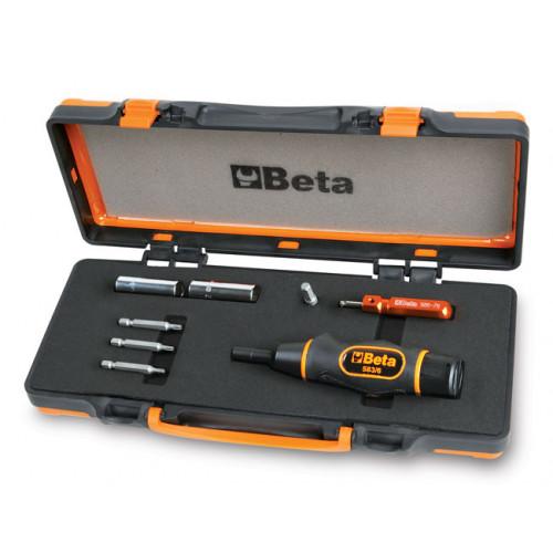 Zestaw narzędzi do kontrolowanego dokręcania zaworów opon z systemem kontroli ciśnienia Beta 971/C8
